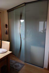 spezielle Anfertigung: Glastür