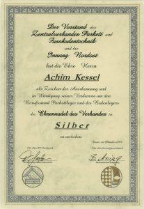Silberne Ehrennadel für Achim Kessel