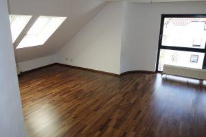Wohnung mit Nussbaumparkett